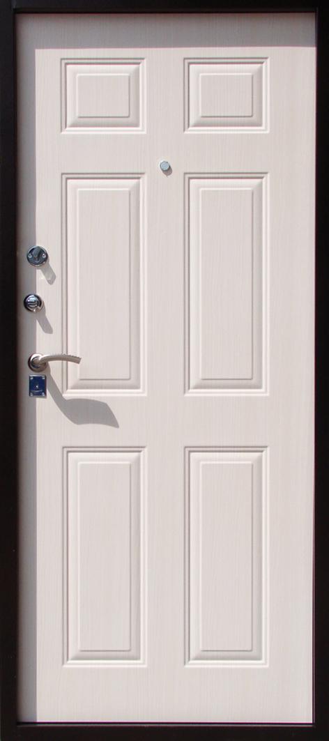 белая входную дверь