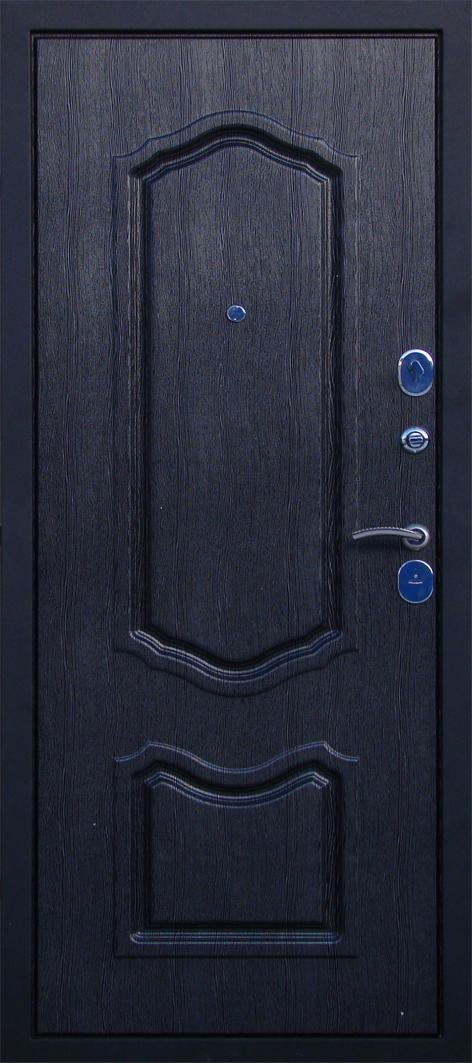 черная металлическая входная дверь